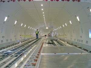 Cargo hold of a Boeing 747 - a corpse stored here is halachically categorized as in a אוהל סתום.